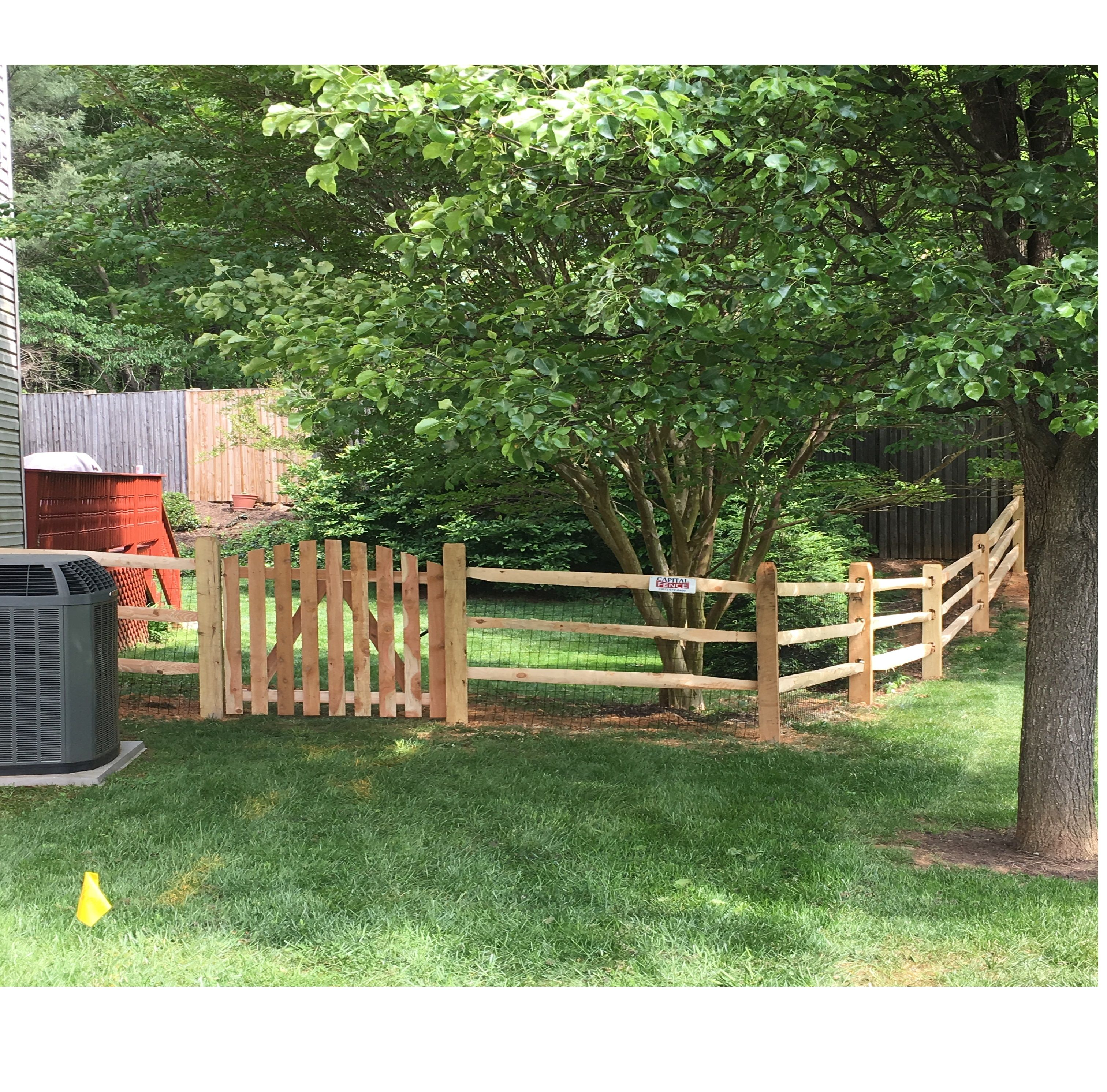 3- Rail Split Rail Fence with Wire Mesh and single Gate | Wood Split ...