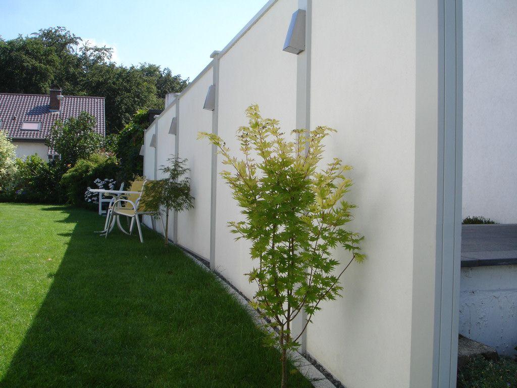 Modulares Wandsystem im Garten 2,1 m bis 2,4 m Höhe mit