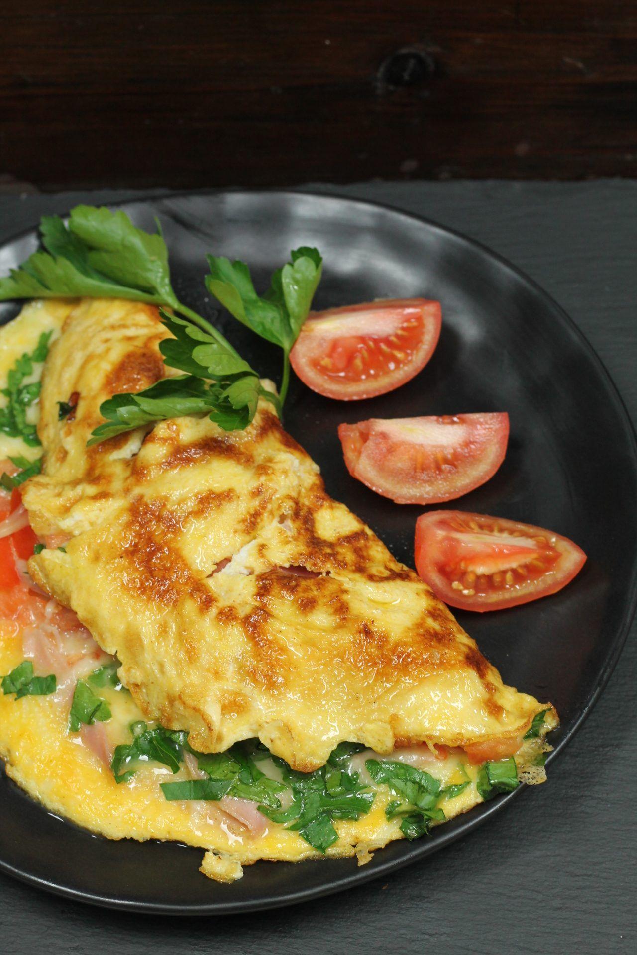 Omelette mit Schinken, Käse und Tomaten | Mein wun