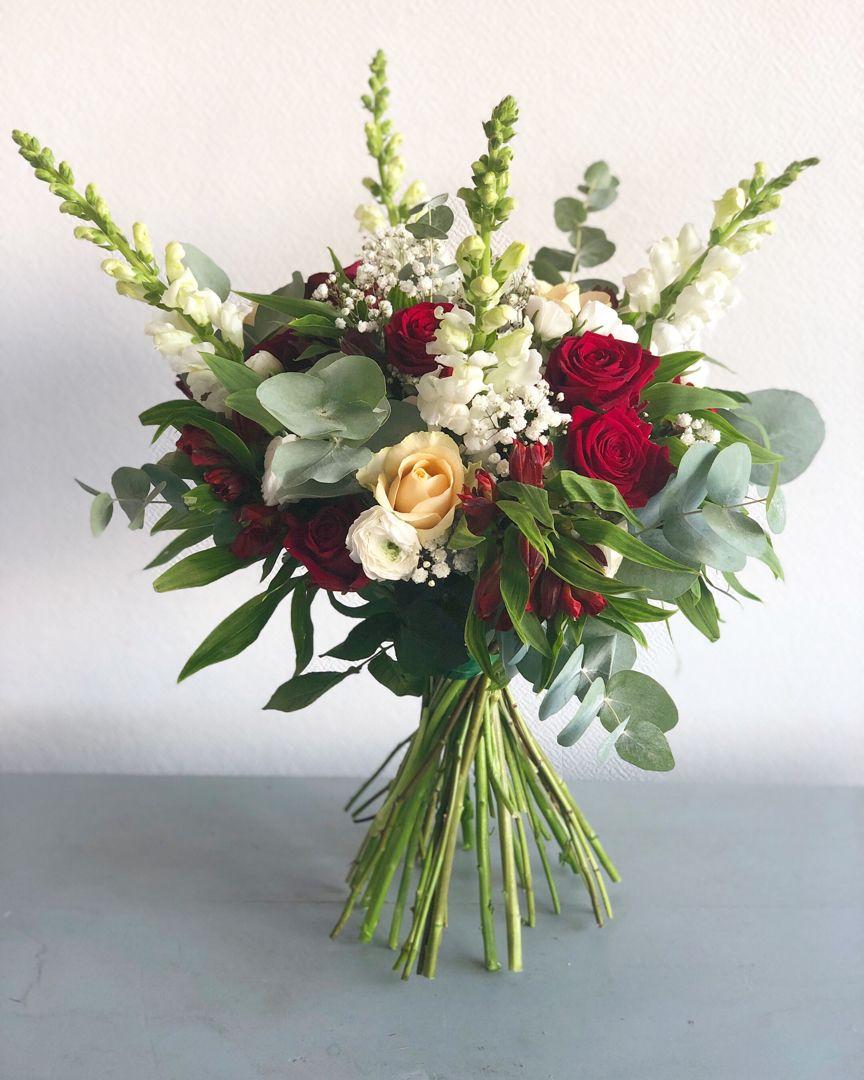 Bouquet de fleurs rouge et blanc | Bouquet mariée rouge ...