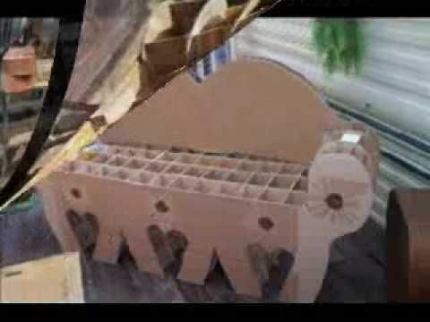 cr ation d 39 un canap en carton youtube m veis de papel o pinterest cardboard furniture. Black Bedroom Furniture Sets. Home Design Ideas