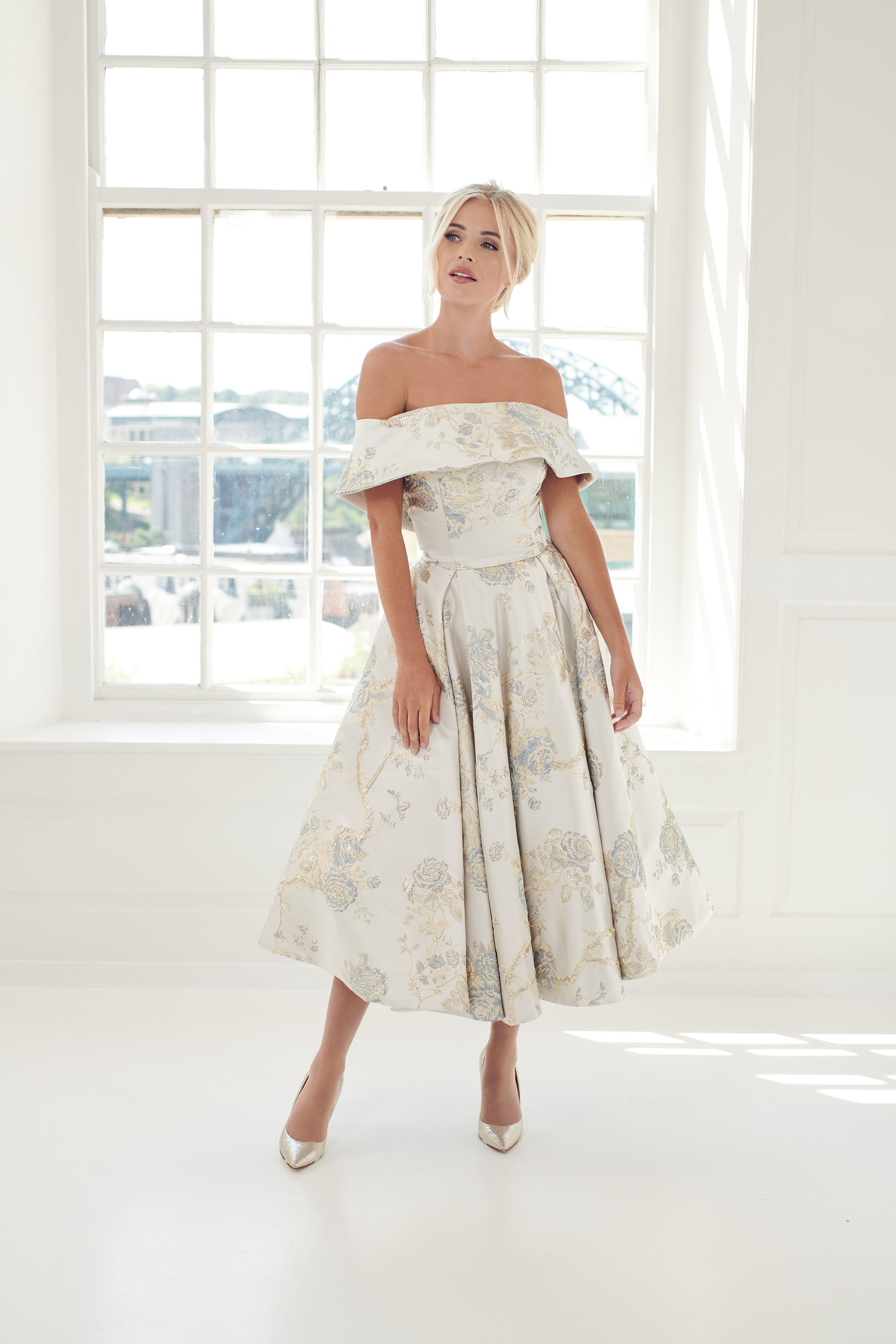 Margaret Demure Blue And Grey Floral Brocade Short Ballerina Length Wedding Dress Floral Tea Length Dress Short Wedding Gowns Rockabilly Wedding Dresses [ 3720 x 2480 Pixel ]