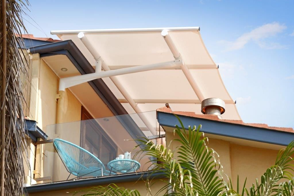 This Cantilevered Batten Awning Is The Perfect Solution For This Balcony And It S Also Demountable Outdoor Blinds Sliding Door Blinds Diy Blinds