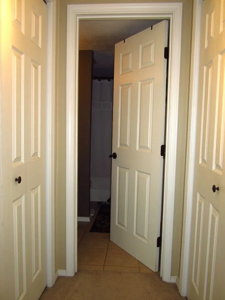 How To Fix An Interior Door That Won T Stay Open Or Shut Doors Interior Bedroom Doors Bathroom Door Handles