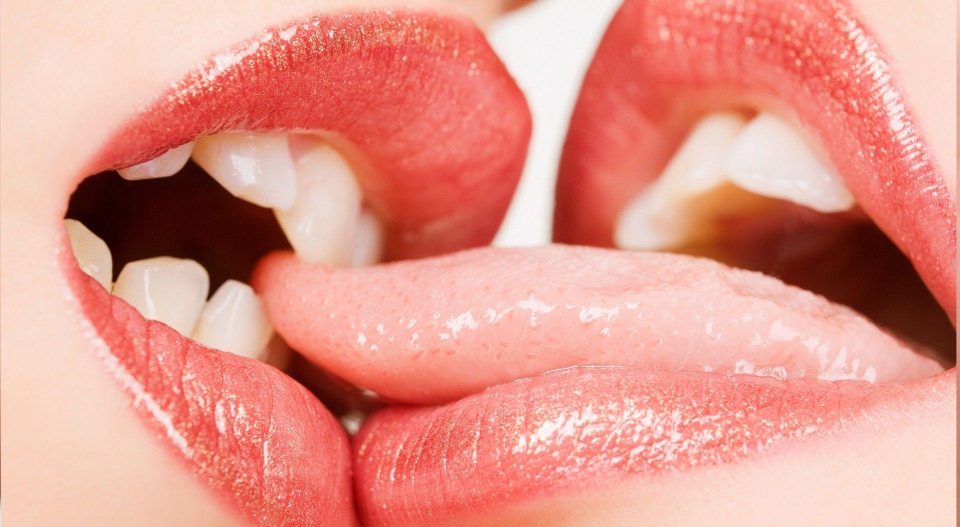 lip kiss   Lip kiss pic, Tongue kissing ...