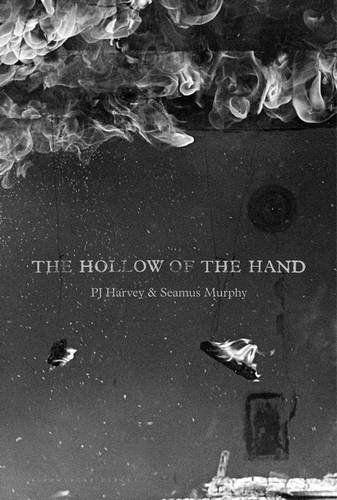 The Hollow of the Hand von P. J. Harvey https://www.amazon.de/dp/1408865734/ref=cm_sw_r_pi_dp_0smHxbFP3NVB5