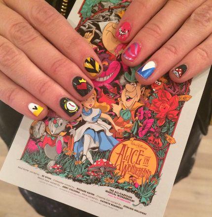 Alice in wonderland manicure