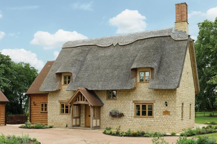 Superior Thatched Cottage With Modern Comforts   Build It