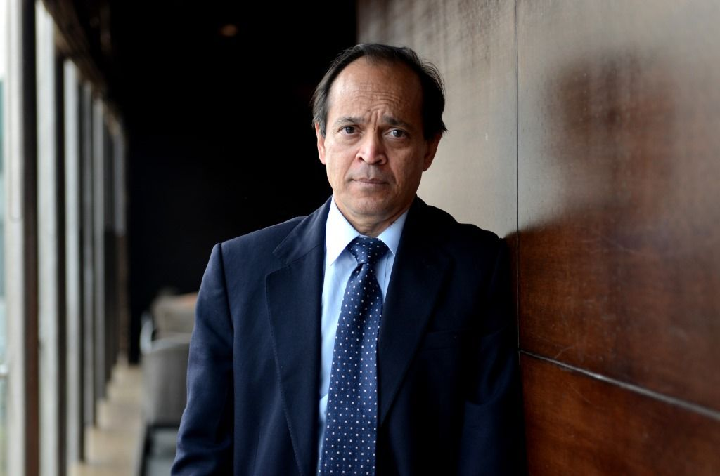Vikram Seth Is The Acclaimed Author Of Three Novels The Golden Gate An Equal Music And A Suitable Boy One Of The Most Beloved And Seth Upcoming Books India