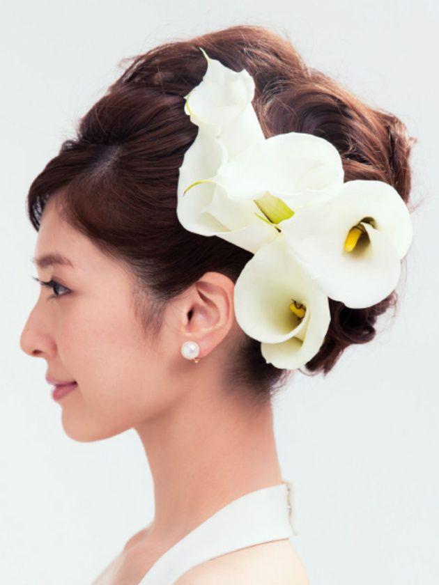 花嫁ヘアスタイル カタログ 生花を使ったヘア編 ウエディング 25ans ヴァンサンカン オンライン ヘアジュエリー 髪