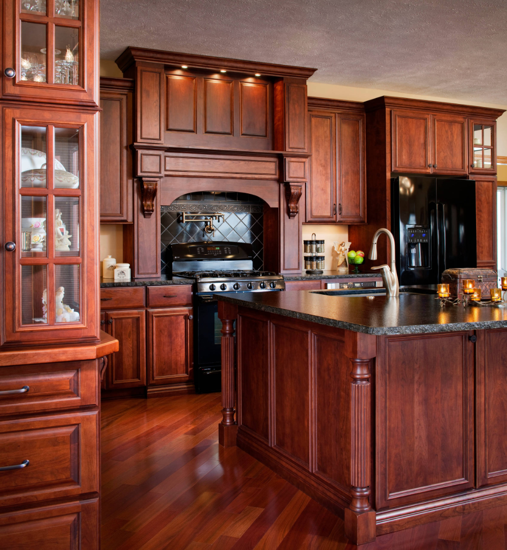 Adorned Traditional Cherry Traditional Kitchen Omaha By Cabinet Factory Outlet Plus In 2020 Traditional Kitchen Kitchen Kitchen Cabinets