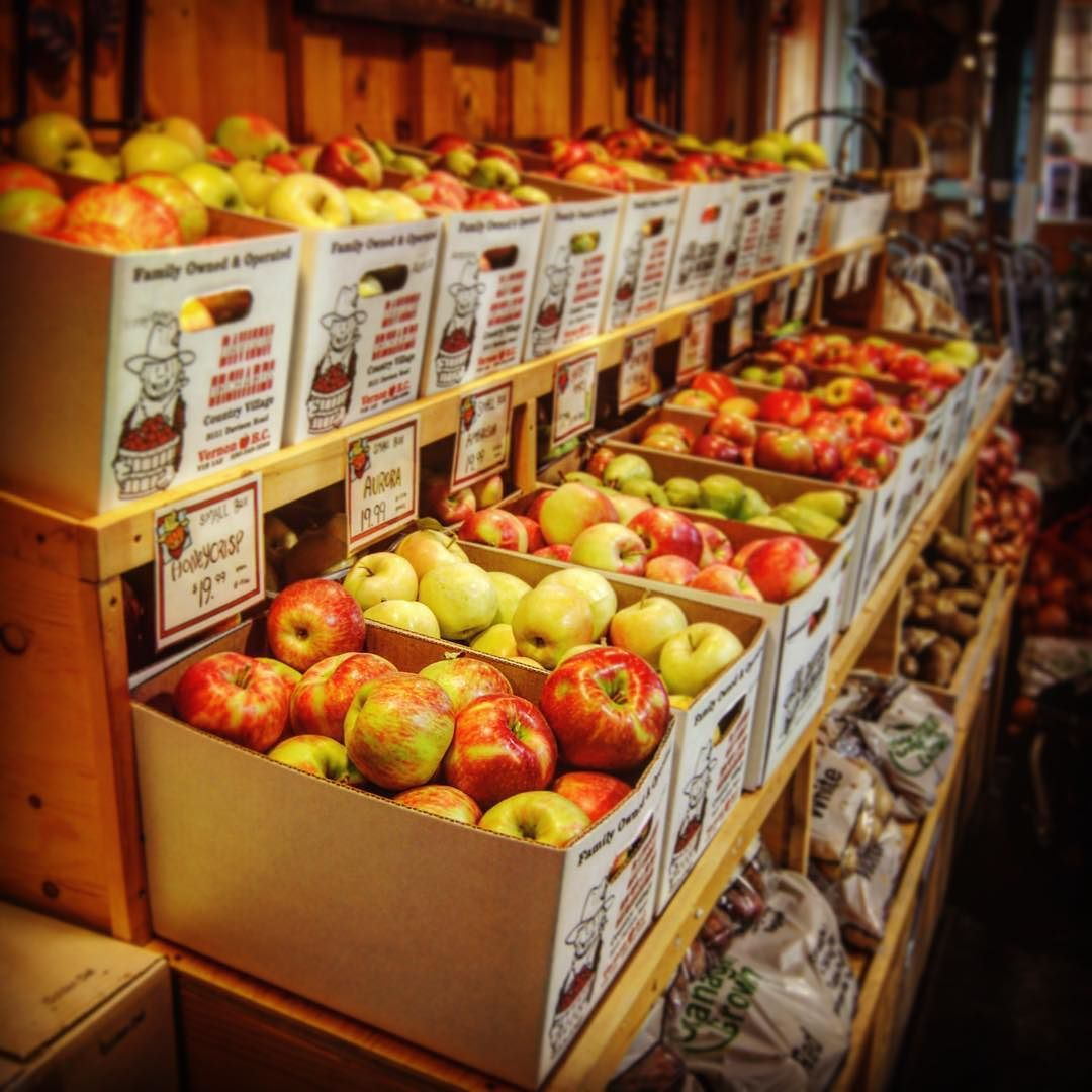 "The best #apples are the #local ones. If you haven't we suggest putting ""apple picking"" on your to-do list. These apples come from @davisonorchards in Vernon #BC. (Photo by Leah Campbell). #autumn #orchards #fallflavours Ps. Leah's dad Tom Davison talks #cider in Hard Pressed (September issue)."