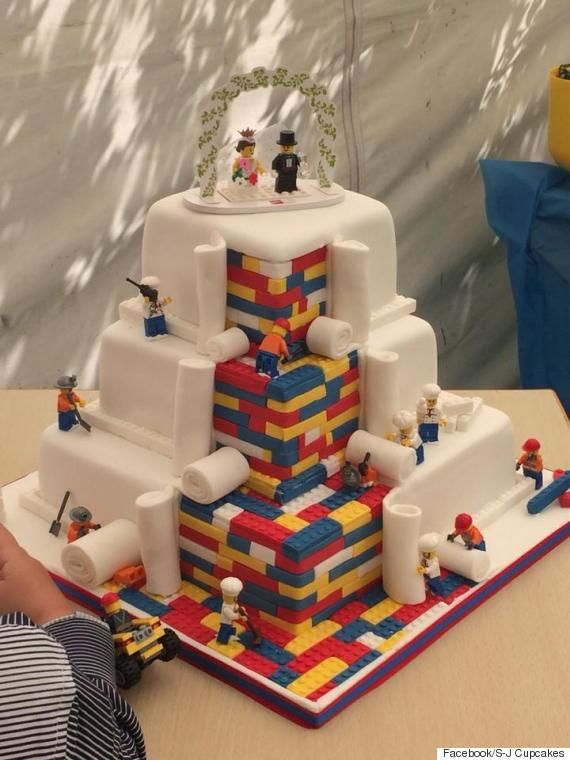 This LEGO Wedding Cake Turns A Childhood Fantasy Into A GrownUp - Crazy cake designs lego grooms cake design