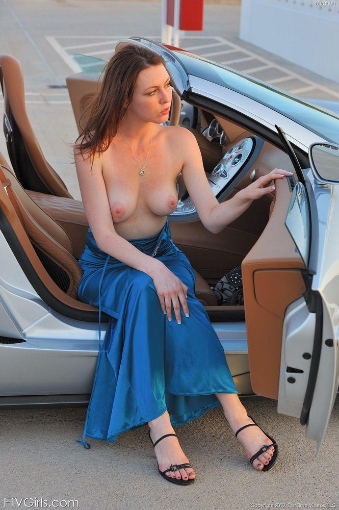 curvy nude girl clips