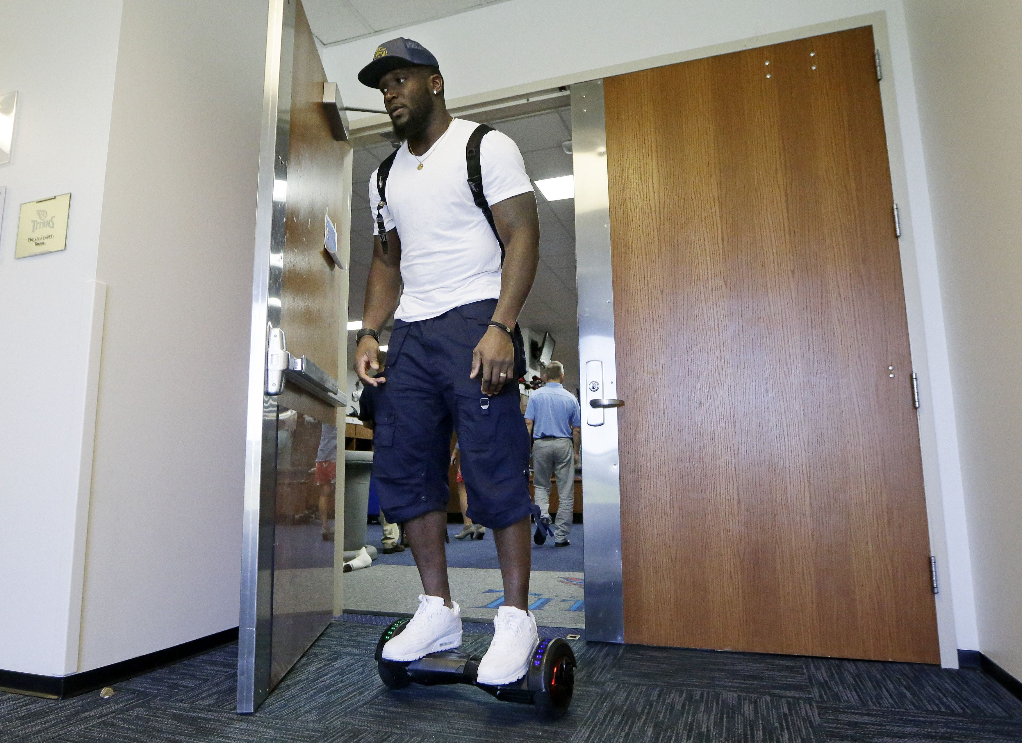 Tennessee Titans linebacker Brian Orakpo takes us back to