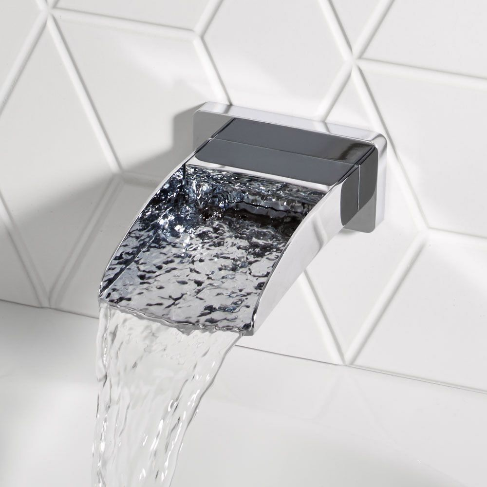 A Contemporary Bath Spout Minimum Of 0 5 Bar Water Pressure 10 Year Guarantee Bathroomwaterspout Roper Rhodes Wall Signs Bath Shower Mixer Taps