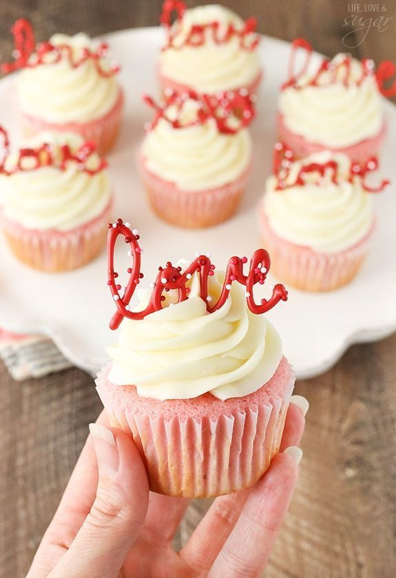 Strawberry Cupcakes with Cream Cheese: Tasty & Pretty Too! Strawberry Cupcakes with Cream Cheese: T