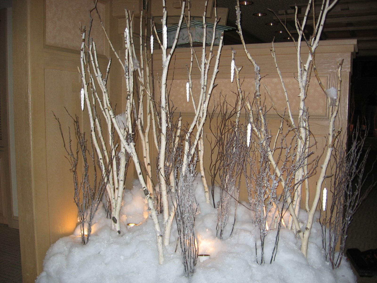 Centerpieces For Hospitality Birch Tree Grouping 003 Jpg 1 600 1 200 Pixels Birch Tree Wallpaper Christmas Props Birch Christmas Tree