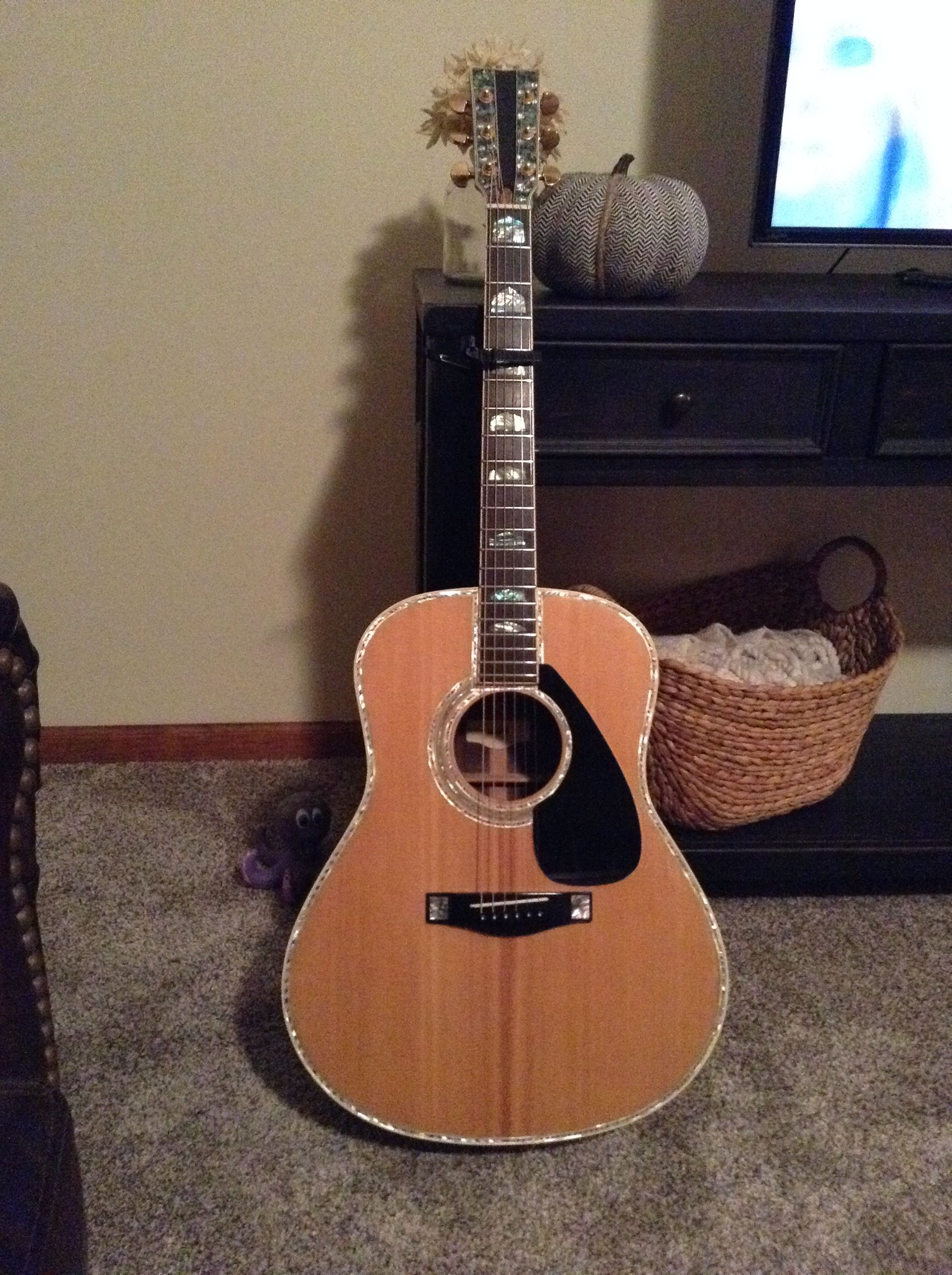 My L53 (With images) Yamaha guitar, Acoustic guitar, Guitar