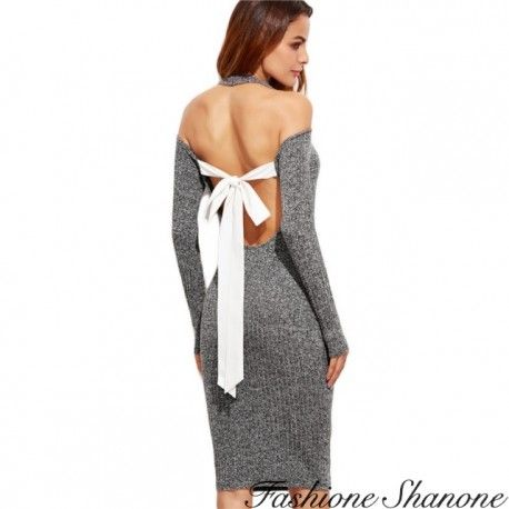 Dress with bow on the back
