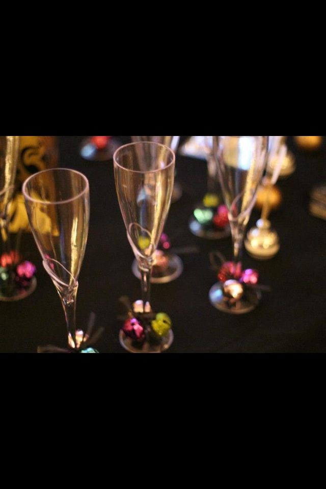 New Years Eve: dress up plastic champagne flutes from ...