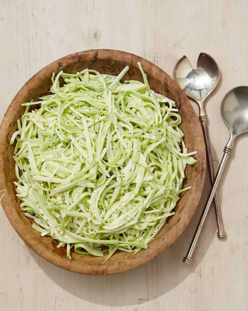 Broccoli slaw   Recette salade, Recette, Cuisine