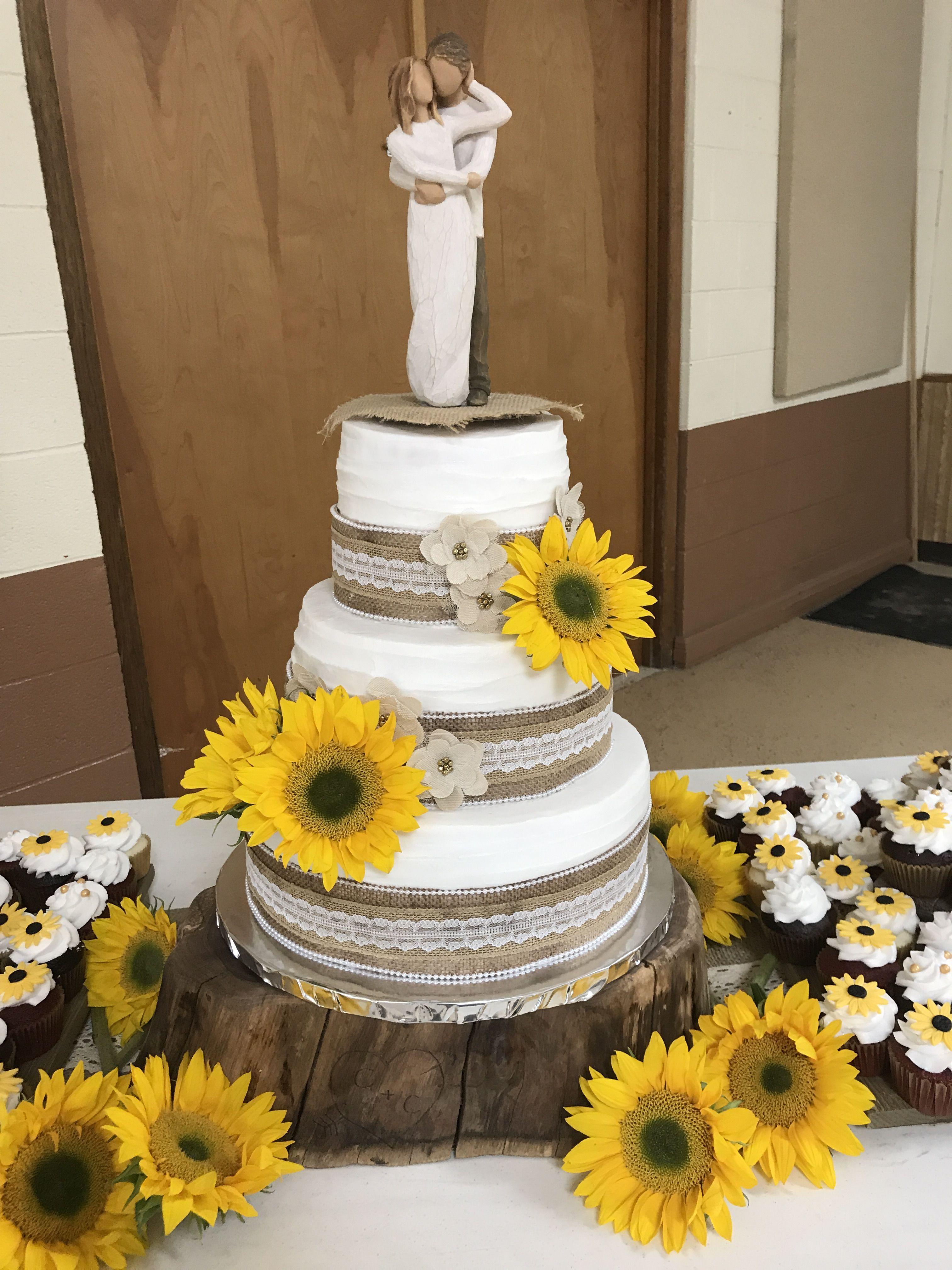 burlap theme wedding ake | Burlap wedding cake, Burlap