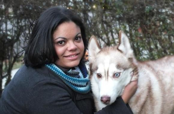 Jennifer Goulart Nistico Is Among The Pet Sitters With Over 20 Years Of Experience She Does Pet Sitti Pets Pet Trainer Dog Cat