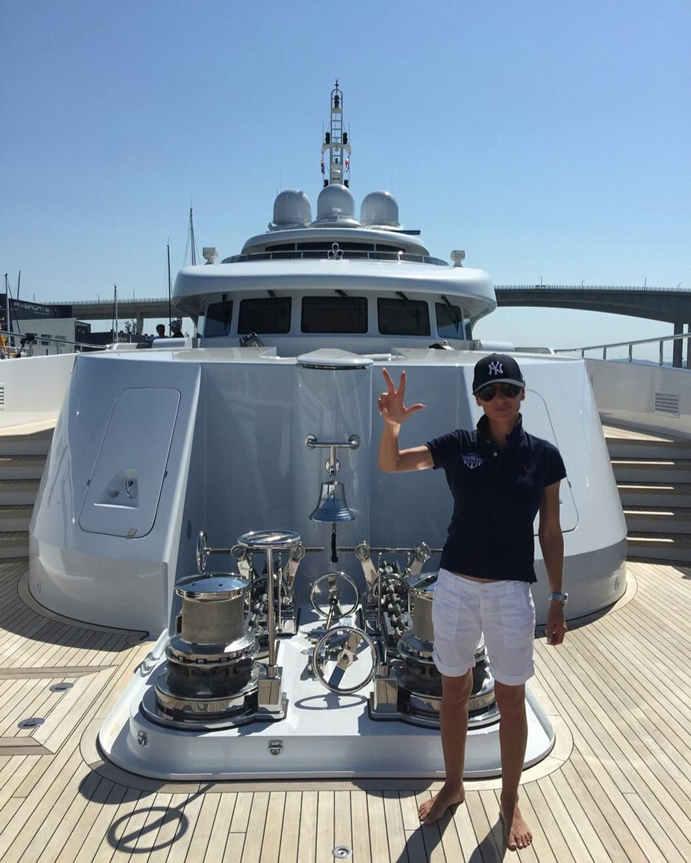 Aboard Super Yacht Serenity #superyacht #serenity #50milliontobuyher #luxury #love #life #live #lifestyle #captain #nautical  #boat #marine #offshore #girl #style #travel #picoftheday #australia #brisbane #boatlife #sun #adventure #explore #ocean #sea #firstclass #serbclub #ribolov #serb #fishingnextlevel by blue_mpire