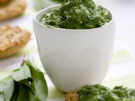 Schnelle Crostini mit Pesto ist ein Rezept mit frischen Zutaten aus der Kategorie Pesto. Probieren Sie dieses und weitere Rezepte von EAT SMARTER!