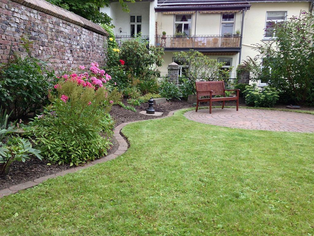 Rasenkanten Mähkanten Rasenkantensteine anlegen leicht gemacht