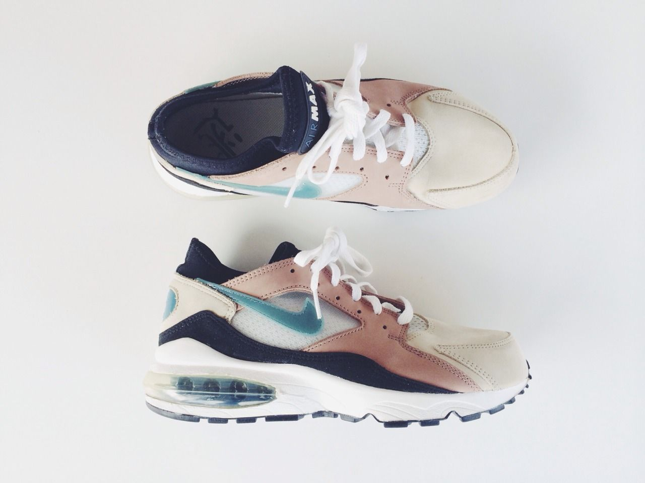 the latest 49381 7c99c Nike Air Max 93  Sneakers  Pinterest  Nike basketball shoes,