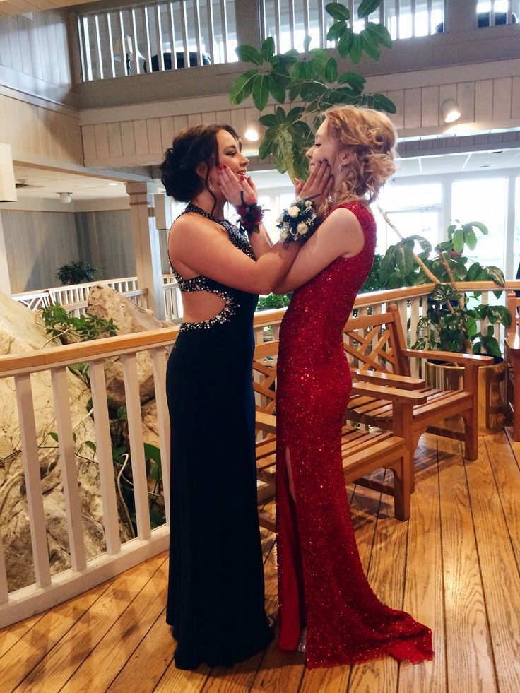 Prom Picture With Best Friend And Pretty Dress And Hair
