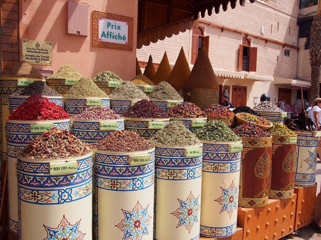すぱいす?これなんだろ このあと、タクシーつかまらず警察官に泣きつく笑  #morocco #africa #northafrica #maroc  #モロッコ #マラケシュ #マラケシュピンク #trip #travel #wall #バラ色の街 #pink #ピンク #marrakech #marrakechmedina #medina #ひとり旅 #olympus #pen #olympuspen #加工なし #nofilter #camera #デジ一
