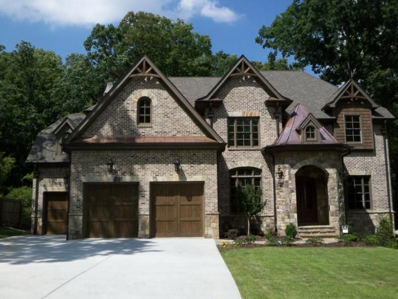 Energy Wise Homes In Ashford Park Exterior House Colors Exterior Brick Brick House Colors