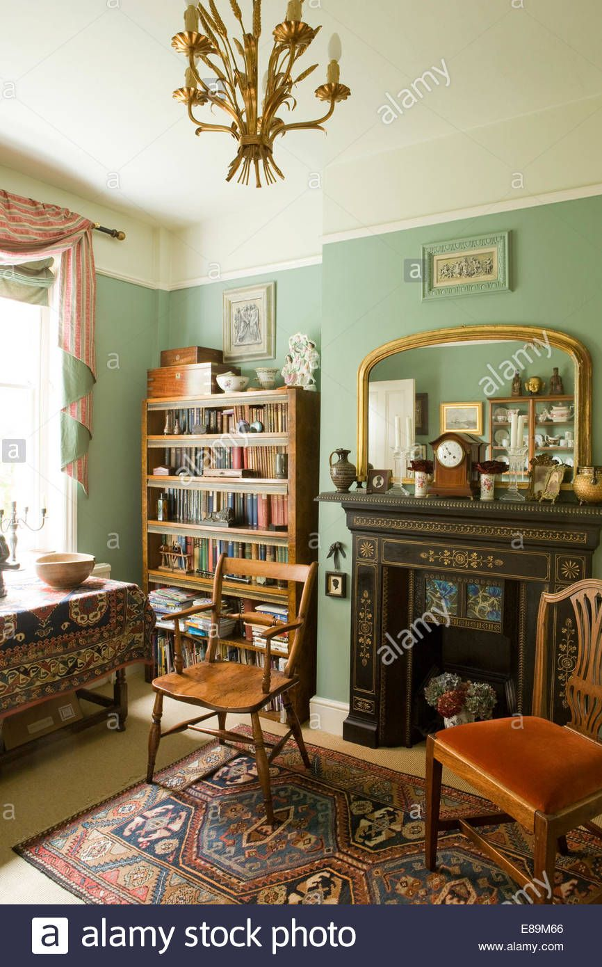 Delightful Nice Shade Of Green With Cream Above. Could Divide With Picture Rail. The  Cream Color Would Transition Into The Living Room.