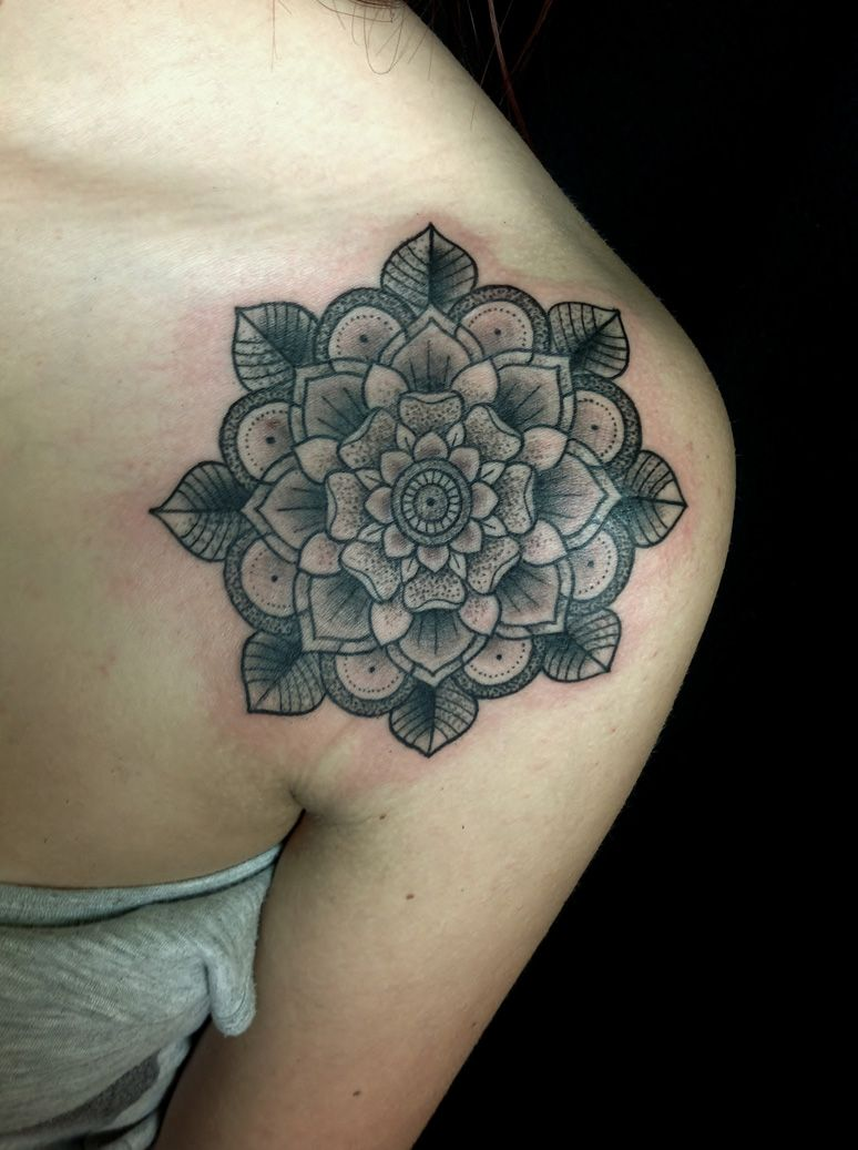Mandala Tattoo Shoulder Google Search Tattoo Tatoeage