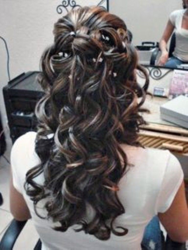 Quinceanera hairstyles with curls and tiara