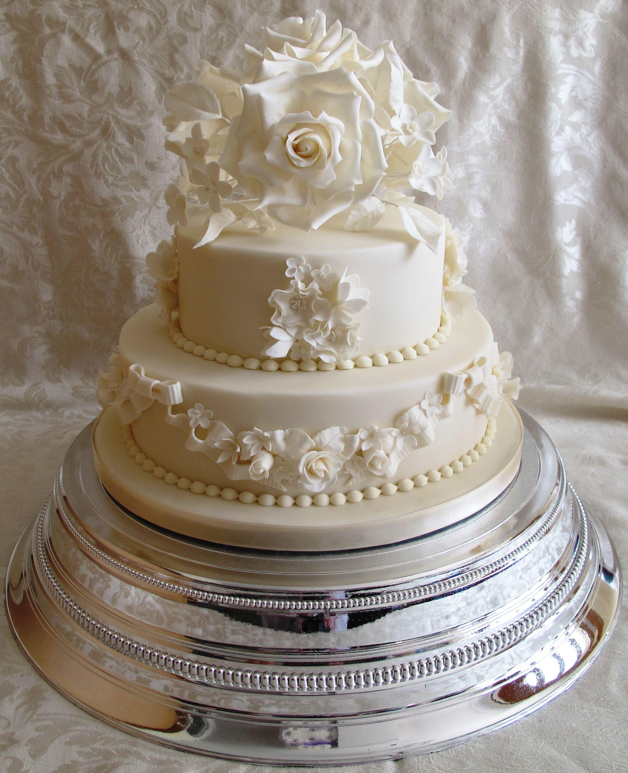 Vintage 2 Tier Wedding Cake Vintage 2 Tier Wedding Cake With Sugar Flowers Round Wedding Cakes 2 Tier Wedding Cakes Traditional Wedding Cakes