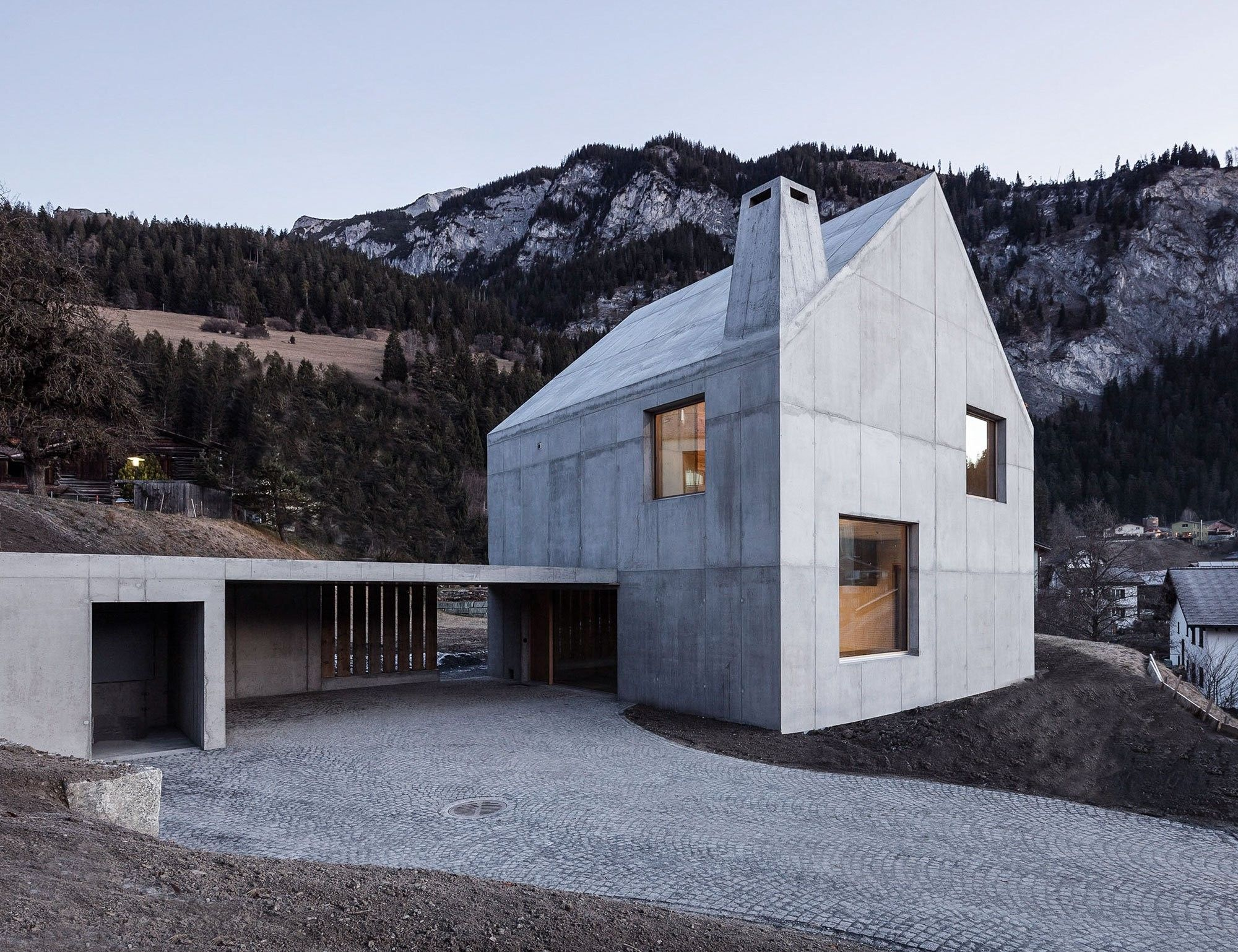 Chalet contemporain en suisse par schneller caminada - Maison campagne suisse fovea architects ...