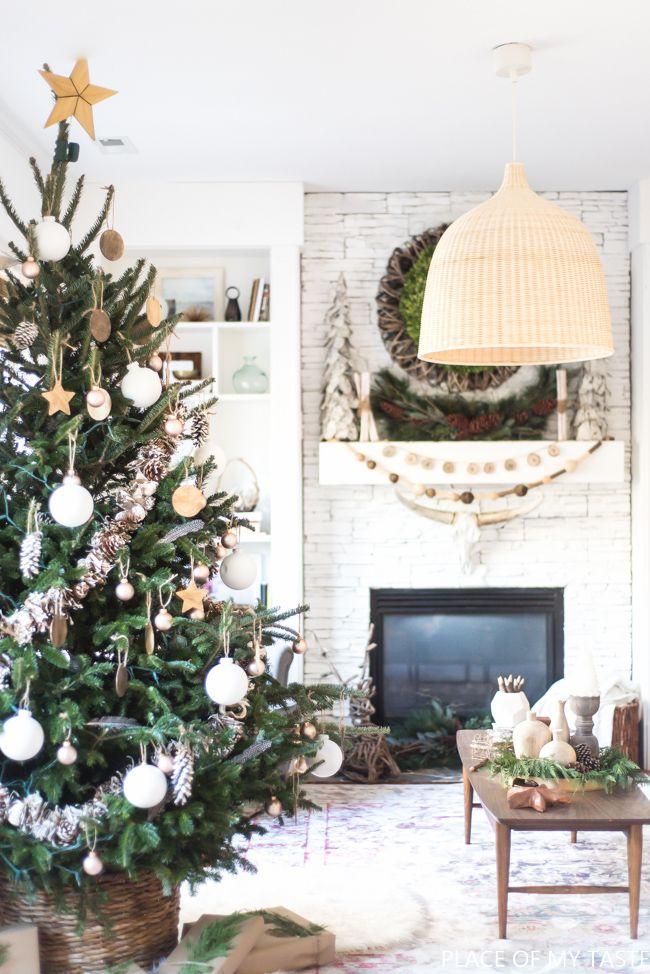 Neutral christmas tree decoration so pretty tree decorations come and see this beautiful neutral christmas tree decoration yourself so pretty and there are solutioingenieria Images