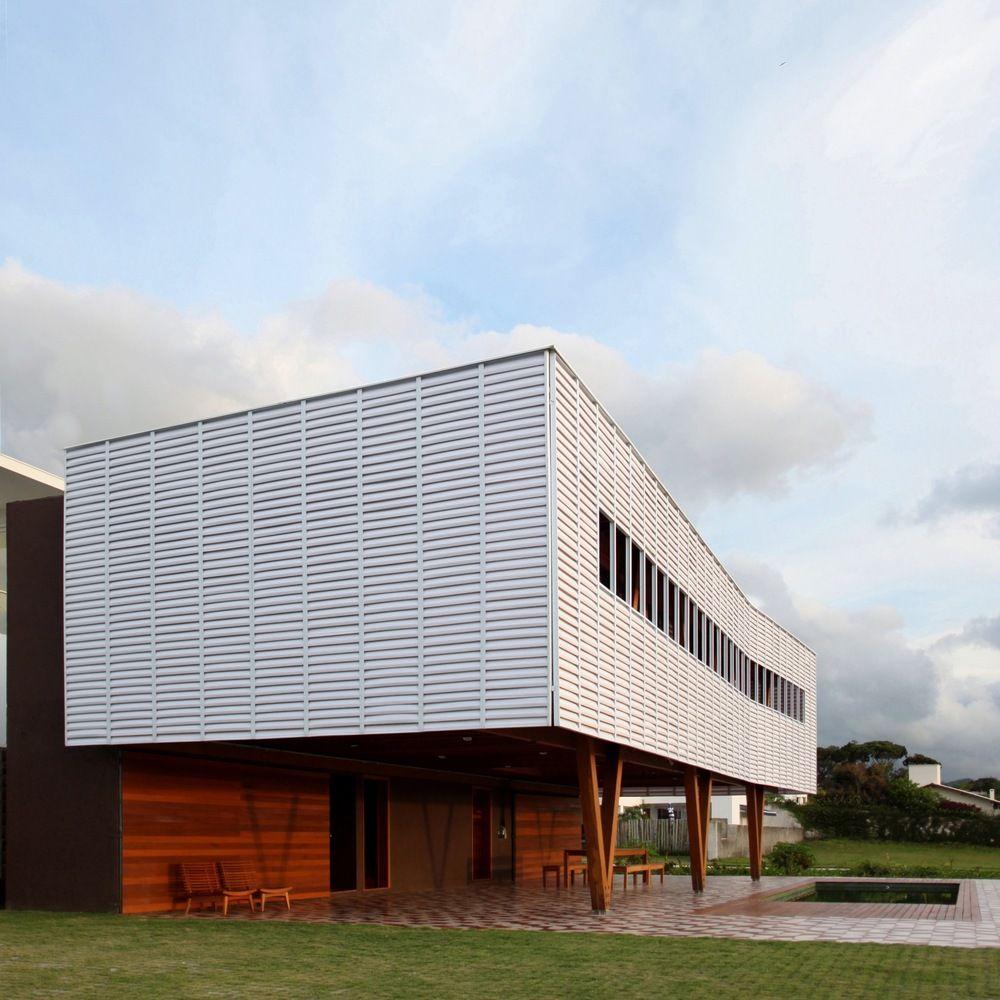 Casa en Florianópolis, Brasil - Una Arquitetos - © Bebete Viégas