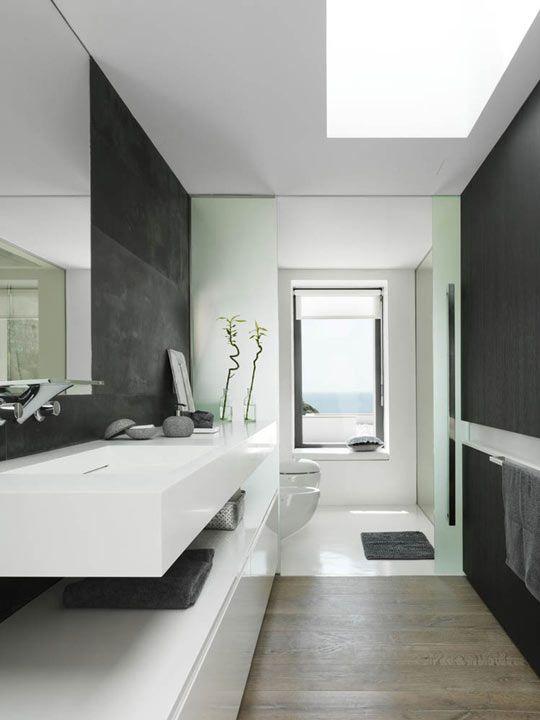 Casa mallorquina de estilo minimalista | Baño minimalista ...