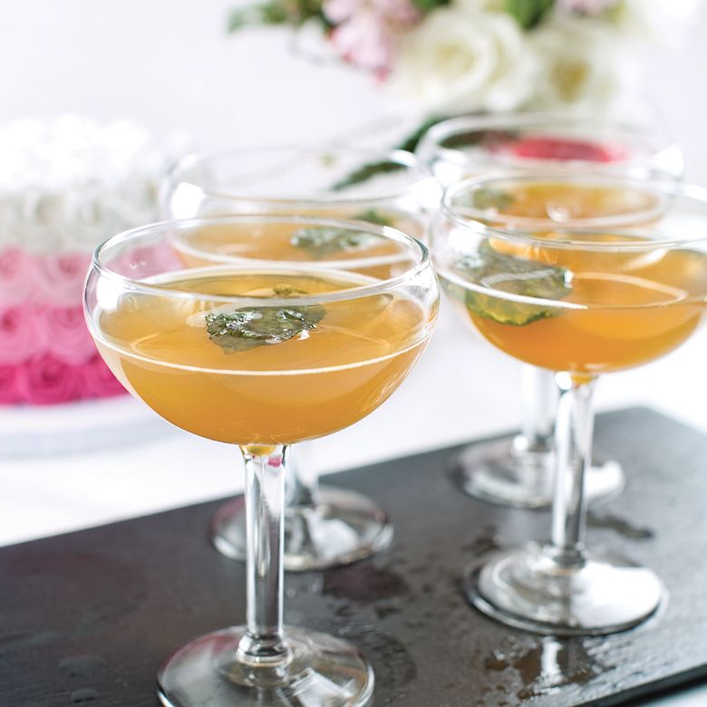 Try These Pittsburgh-Inspired, Signature Wedding Drink