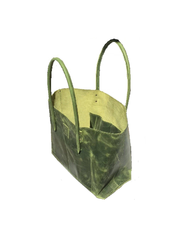 473dc407cbab1 Ledertasche Shopper Ledershopper used look Leder greenery handmade von  Goldtaschen auf Etsy