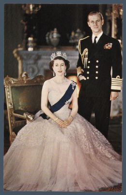 The Queen In New York Young Queen Elizabeth Royal Queen Queen Elizabeth
