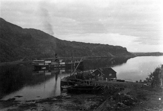 Nordland fylke Hemnes kommune Hurtigruten D/S Erling Jarl på vei ut fra Hemnesberget 2 september 1940.