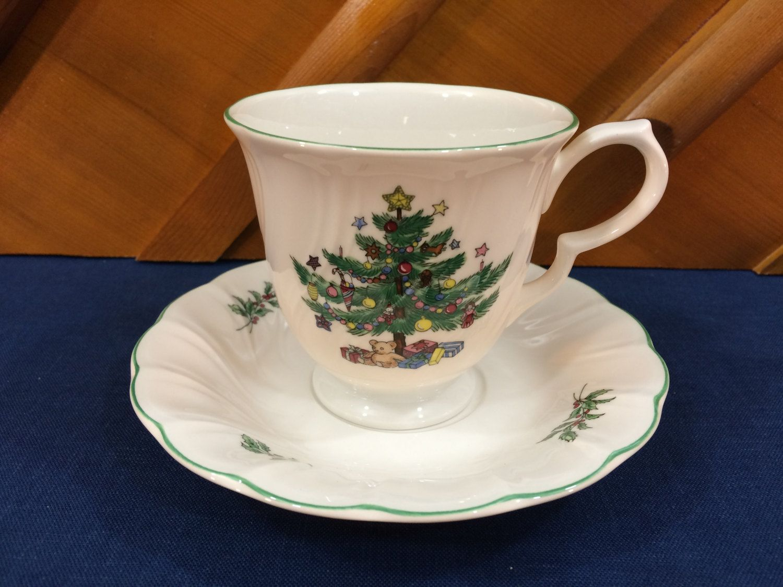 Vintage Nikko Christmas China - Happy Holidays - Cup & Saucer ...