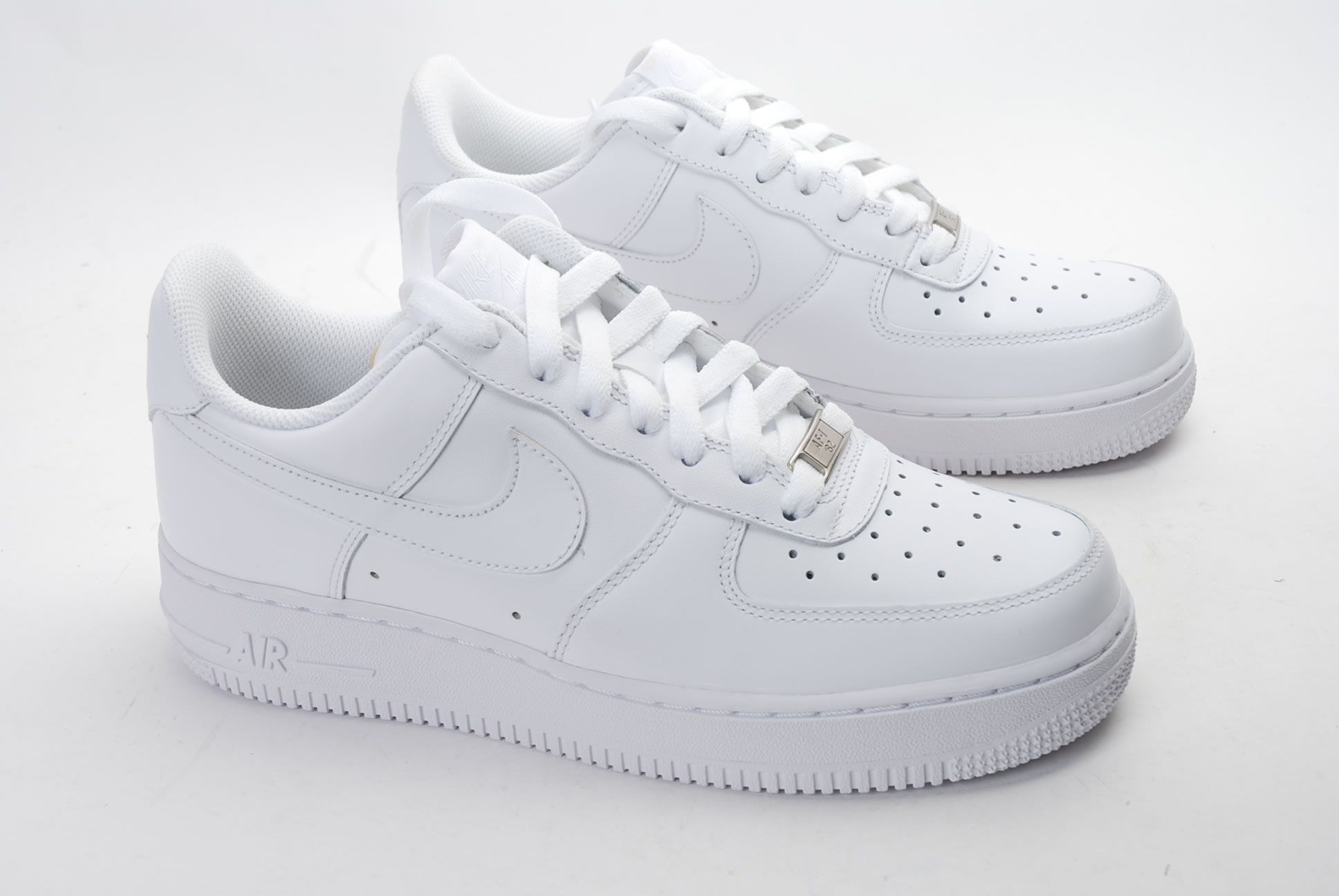 code promo 77362 52f47 Air Force One White | Winter outfits | Chaussures de basket ...