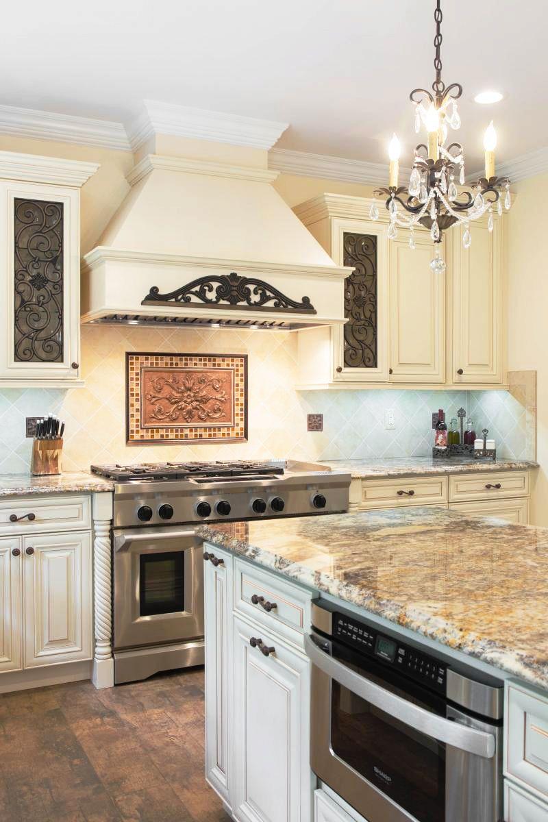 Creme Maple Glazed Classic Kitchen Cabinets Maple Kitchen
